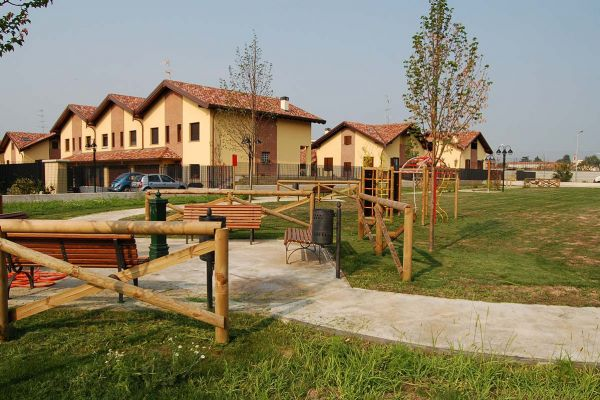"""Residential allotments with Public Park """"Remo Bollazzi"""""""